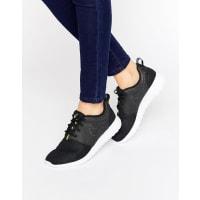 NikeRoshe Sneakers In Holographic Black - Black