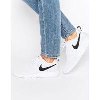 NikeRoshe Sneakers In White And Black - White