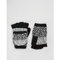 Plush ApparelOmbre Dot Texting Mittens - Black/white