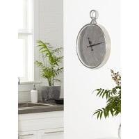Simons MaisonAntique clock