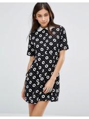 MotelBedelia Babydoll Dress In Classic Daisy Print - Black