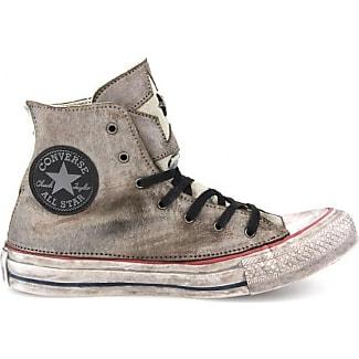 a converse shoe