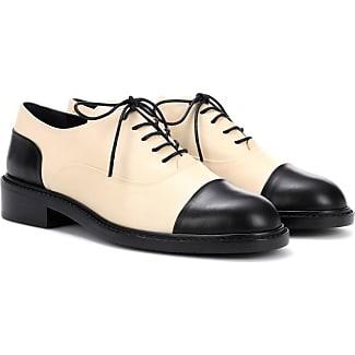 chaussures stuart weitzman achetez jusqu 39 63 stylight. Black Bedroom Furniture Sets. Home Design Ideas