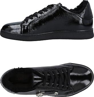 FOOTWEAR - Low-tops & sneakers Versus