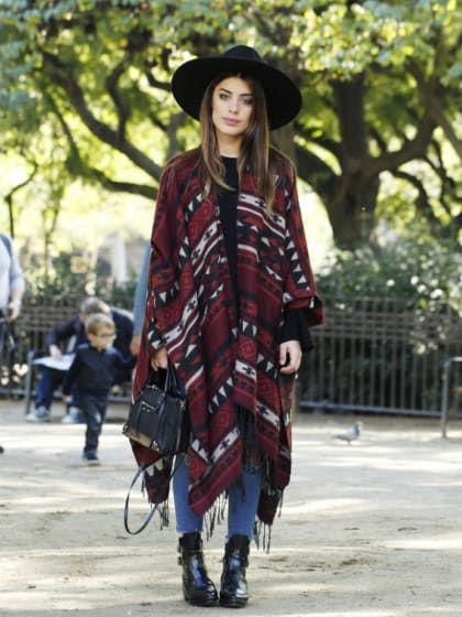 STYLIGHT Streetview: Der Streetstyle des Tages! Heute mit Poncho