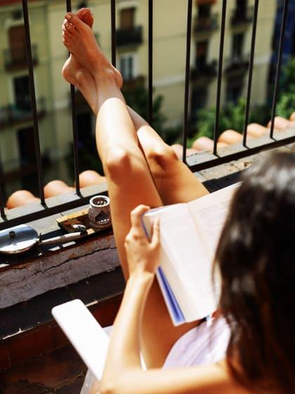 Mit diesen Deko-Tricks holst du das Beste aus einem Mini-Balkon heraus