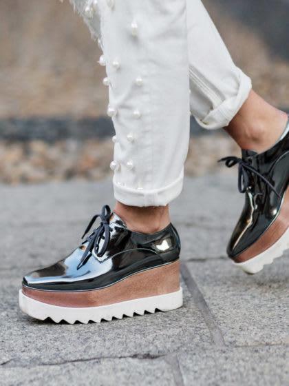Mit diesen Schuhen kommen deine Füße trocken durch den Regen