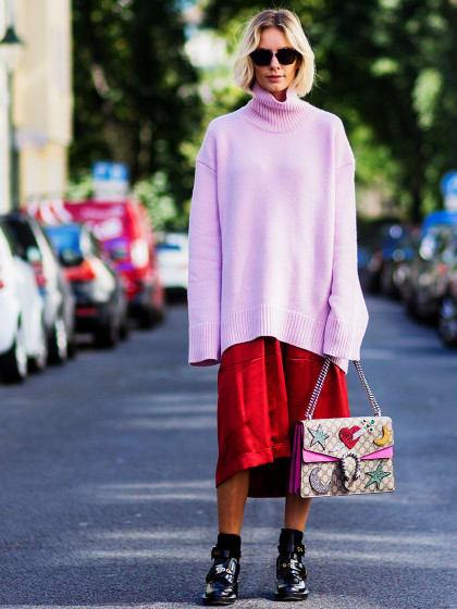 Das ist der neue Instant-Lässig-Look: Wir tragen jetzt XL-Pullover statt Jacke!