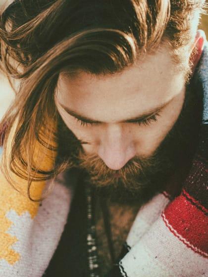 Bad Beard Day? Das sind die ultimativen Pflege-Tipps wenn dein Freund Bart trägt!