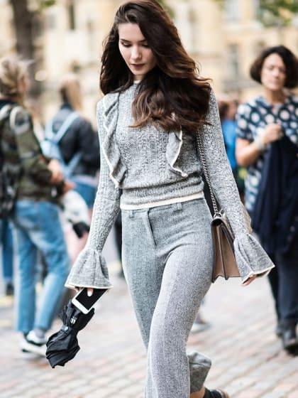 Wollen wir jetzt forever and always: Pullover mit Volant!