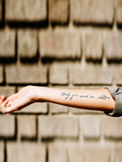 tattoo spr che 120 inspirierende tattoo spr che stylight. Black Bedroom Furniture Sets. Home Design Ideas