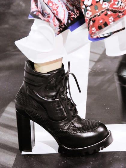 Fashion Girls stehen gerade auf diese Stiefel und wir zeigen dir, wie man sie kombiniert