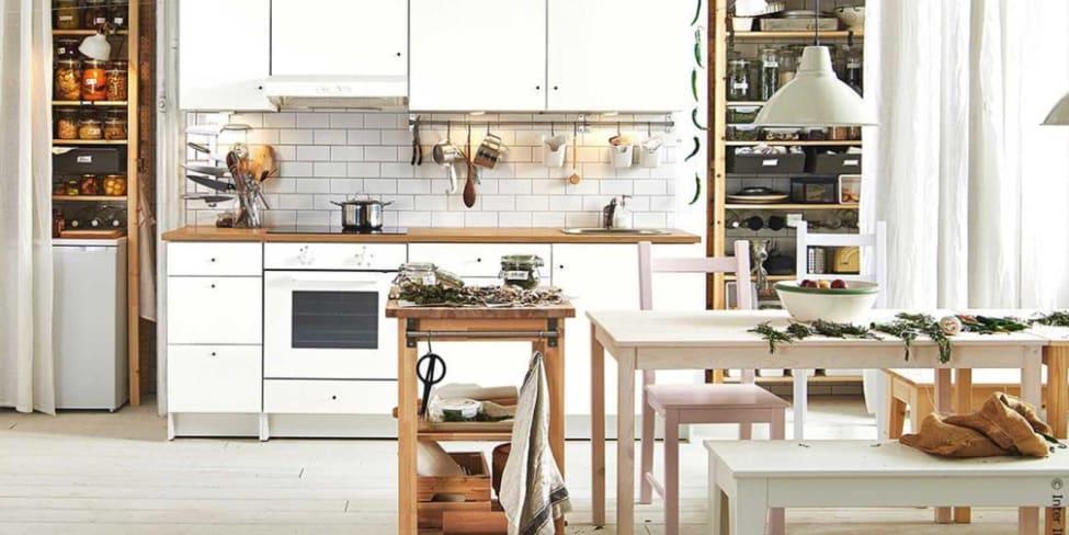 Platz da! So schaffst du mehr Stauraum in deiner Küche