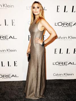 Schauspielerin Elizabeth Olsen im Metallic-Abendkleid