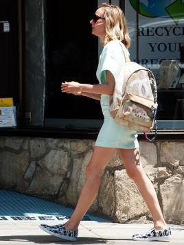 Diane Kruger mit Rucksack