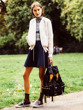 Model Vera Van Erp mit XXL-Rucksack