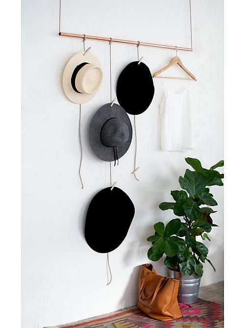 dein n chstes diy projekt eine stylische garderobe mit kupfer elementen stylight. Black Bedroom Furniture Sets. Home Design Ideas