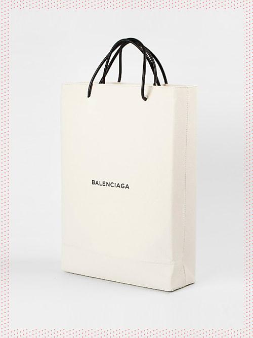 balenciaga verkauft jetzt eine einkaufstasche f r 1000. Black Bedroom Furniture Sets. Home Design Ideas