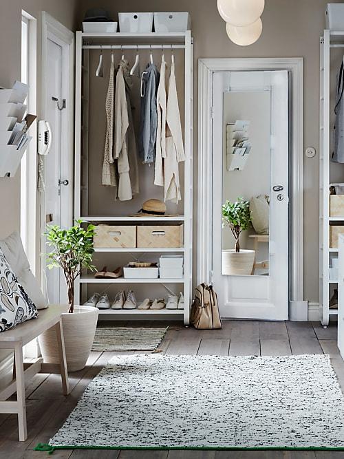 endlich ordnung im flur die 5 besten tipps stylight. Black Bedroom Furniture Sets. Home Design Ideas