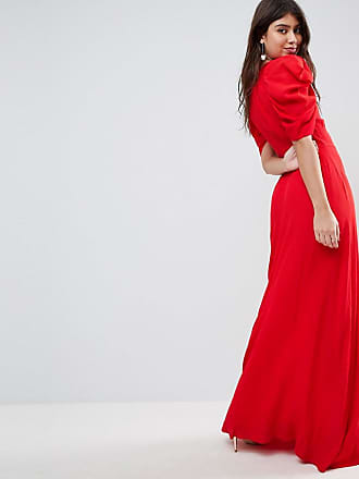 Rotes kleid mit schlitz