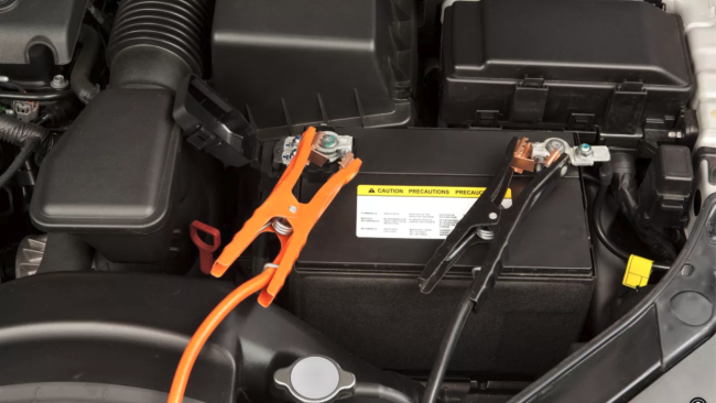 jump-starting-a-car-with-a-flat-battery