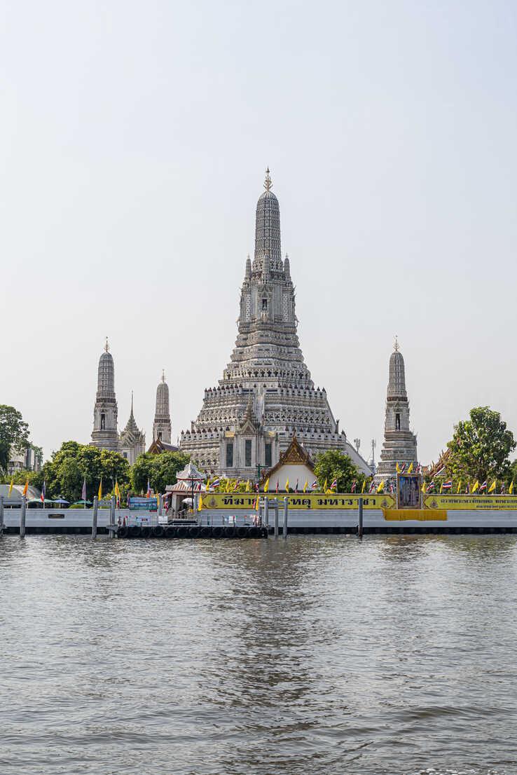 Bangkok City Tour (Wat Pho Wat Arun)