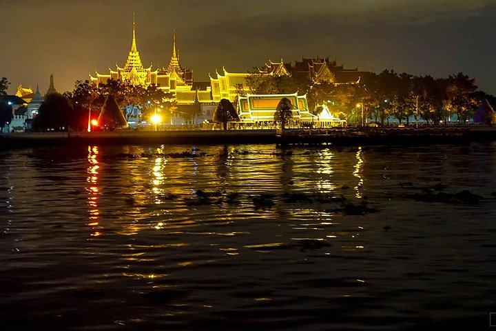 Wan Fah Dinner Cruise from Bangkok including Traditional Dance & Live Music
