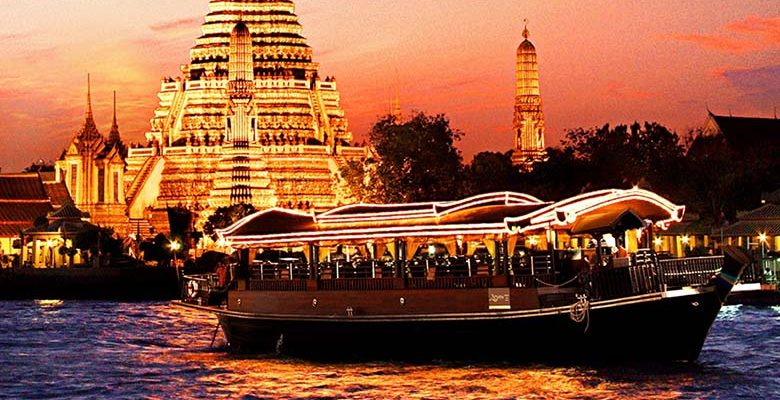 Wan Fah Dinner Cruise from Bangkok including Traditional Dance & Live Music with Private Transfer