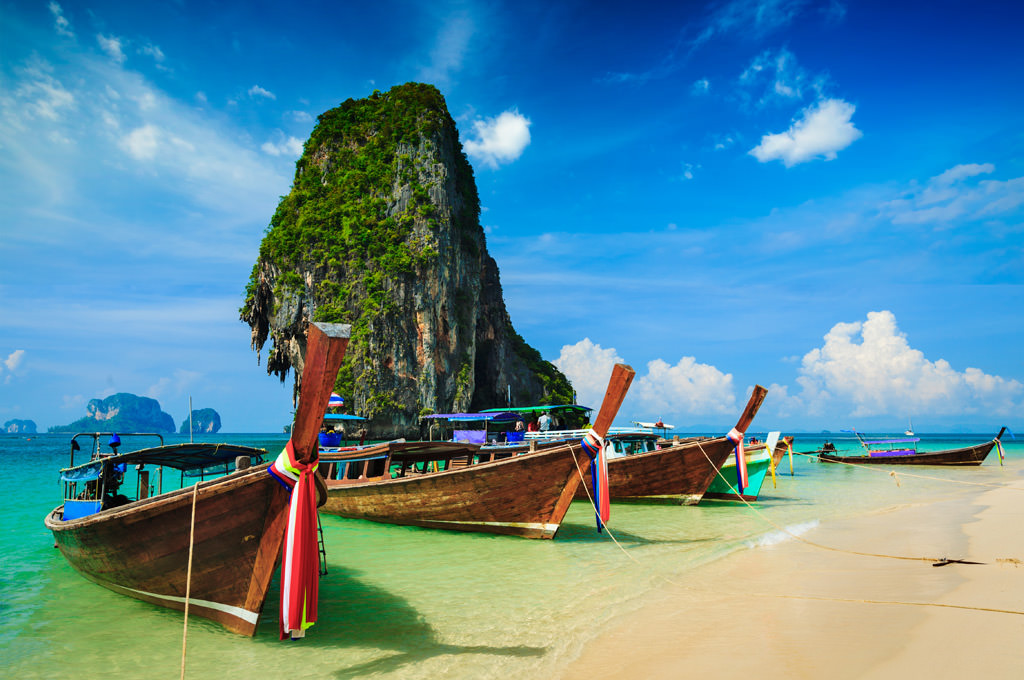 4 Island Day Tour By Big Boat + Speed Boat