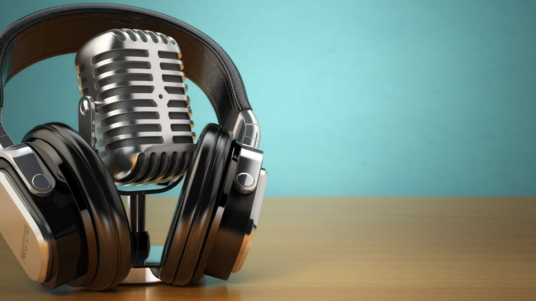 5 Reasons Why NOW is The Right Time To Start Your Podcast