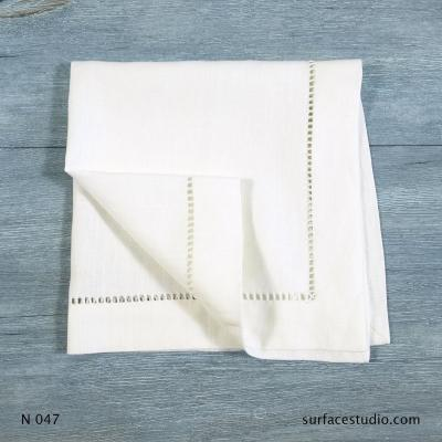 N 047 White Solid with Border Napkin