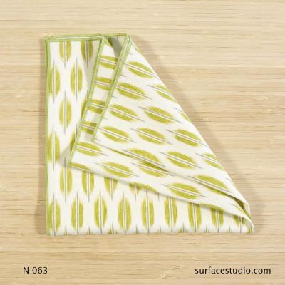 N 063 Green Floral Patterned Napkin