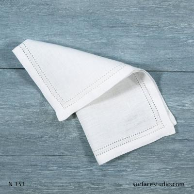N 151 White Solid with Border Napkin