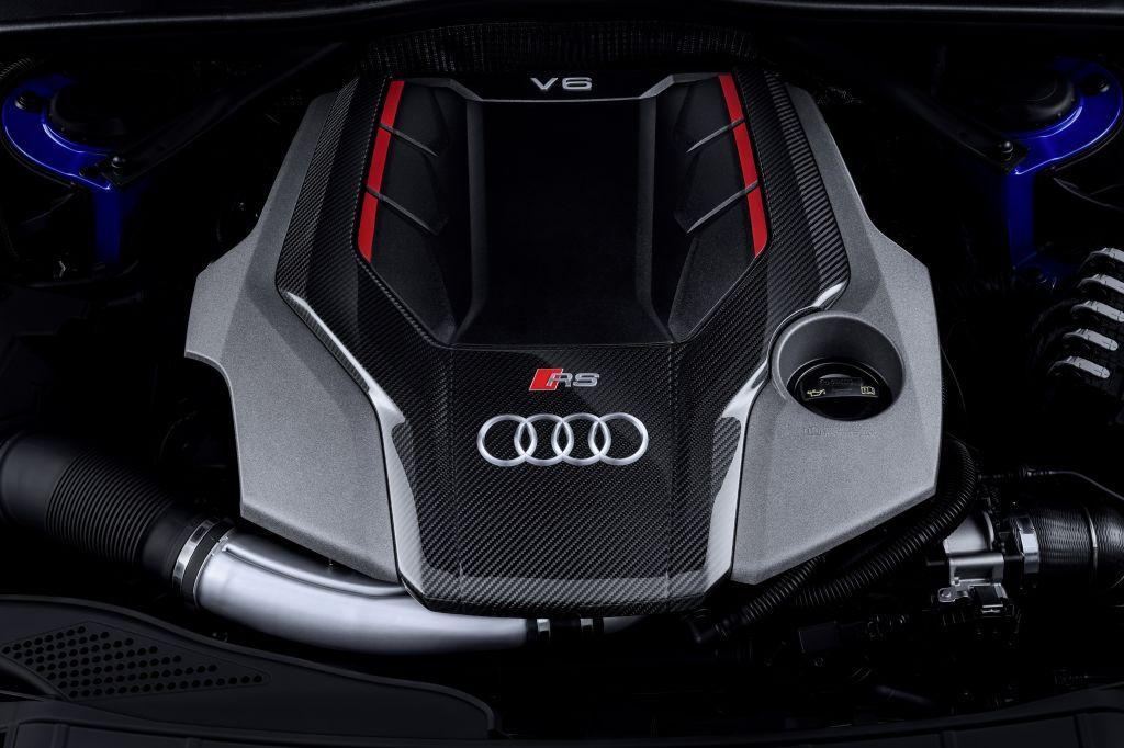 Audi RS 4 Avant V6
