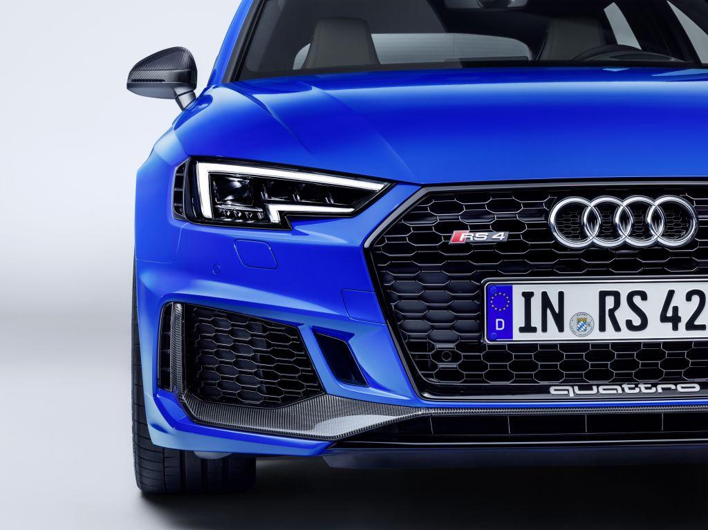 Audi RS 4 Avant Svenstigs Bil