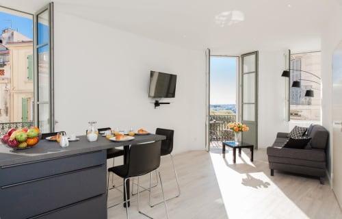 Cannes - Le Suquet - Louis Blanc Modern