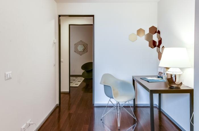 Apartment in Romagnosi, Duomo - 10