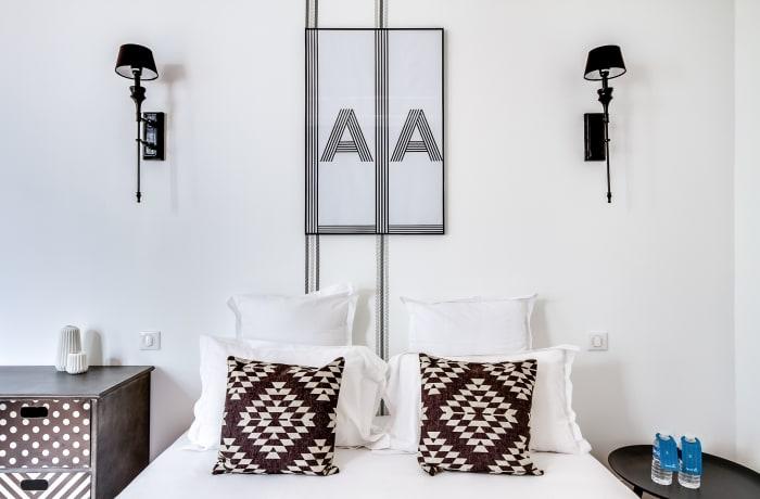 Apartment in Ponthieu I, Champs-Elysées (8e) - 9