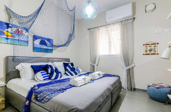 Apartment in Trumpeldor, City Center - Beach Area - 6