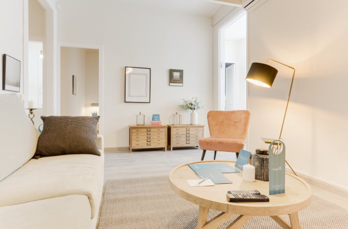 Apartment in Rocafort 401, Eixample - 1