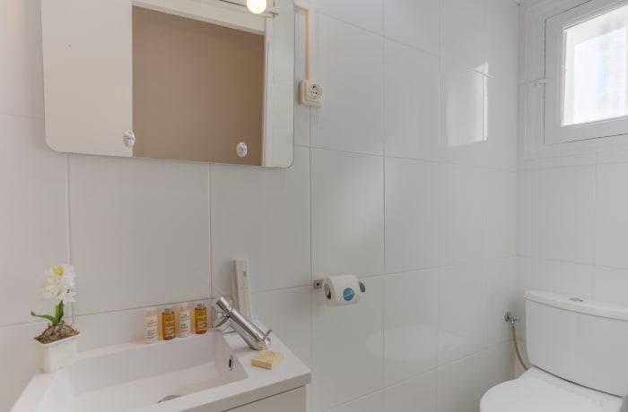 Apartment in Rocafort 503, Eixample - 16