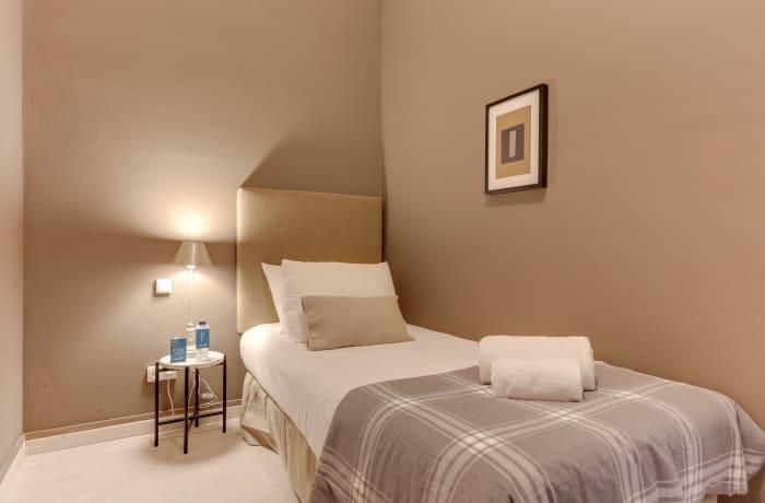 Apartment in Rocafort 603, Eixample - 15