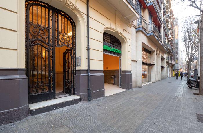 Apartment in Rocafort 604, Eixample - 0