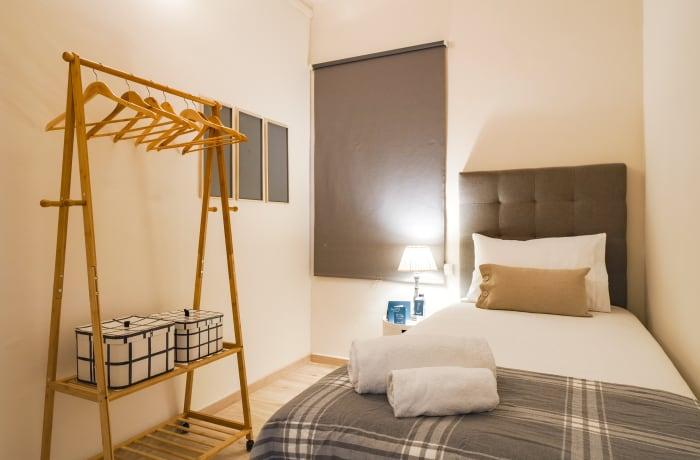 Apartment in Rocafort 604, Eixample - 16