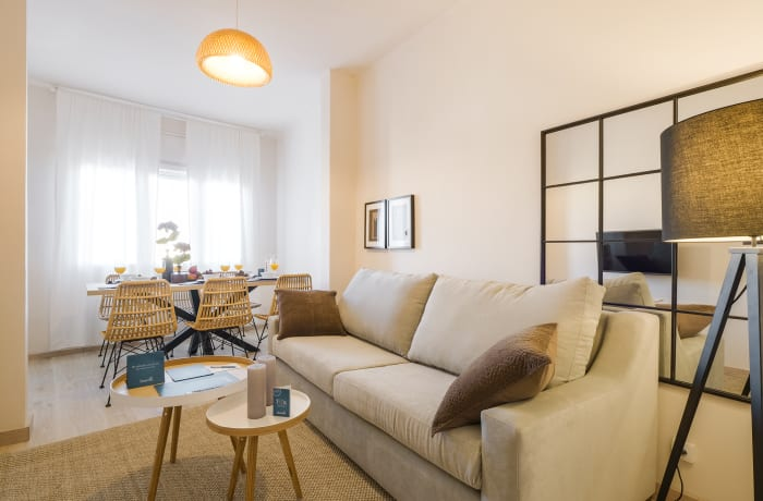 Apartment in Rocafort 604, Eixample - 2