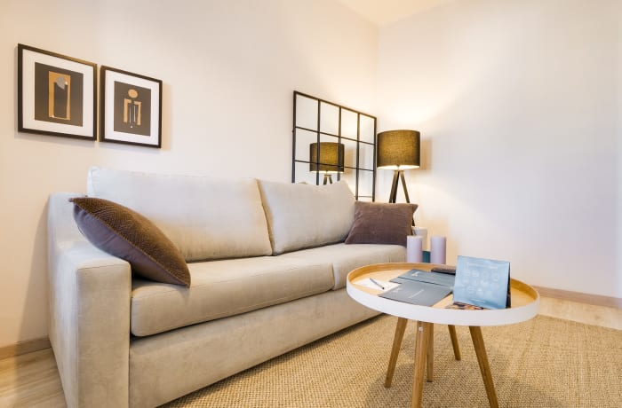 Apartment in Rocafort 604, Eixample - 3