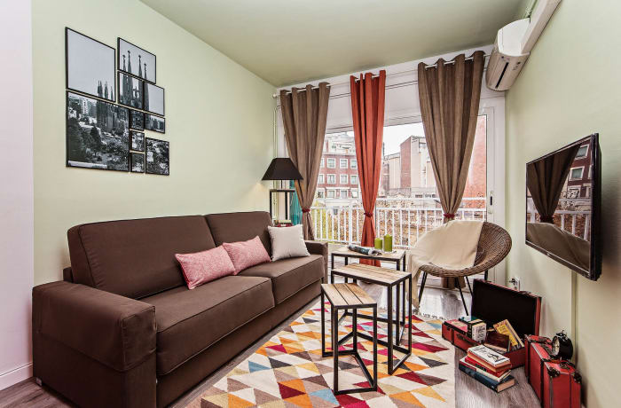 Apartment in Gaudi Avenue, Sagrada Familia - 1