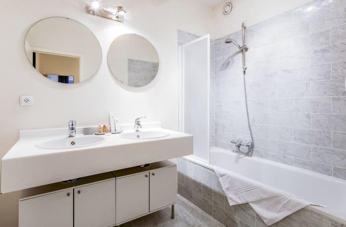 Apartment in Godecharles V, Eu Quarter - 11