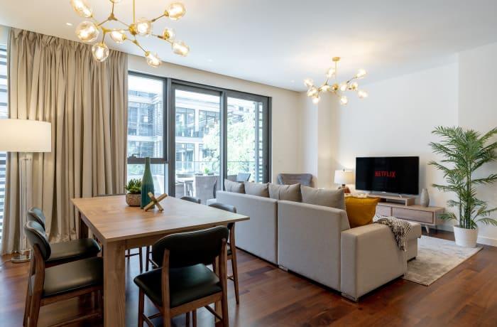 Apartment in Modern City Walk, Jumeirah - 2