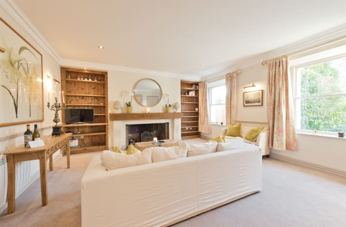 Apartment in Elegant Ballsbridge, Ballsbridge - 1
